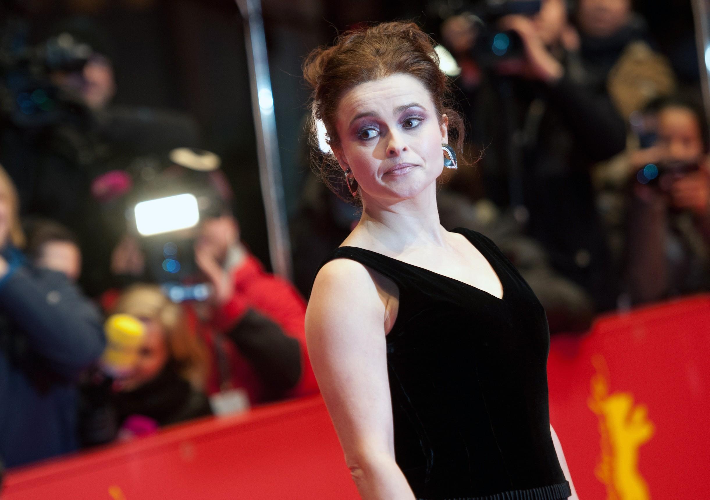 Helena Bonham Carter Se Desnuda Para Denunciar El Exceso De La Pesca