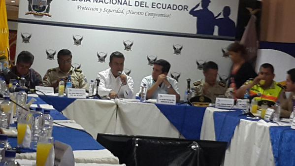 Due os de locales de diversi n nocturna de guayas piden for Cambios en el ministerio del interior