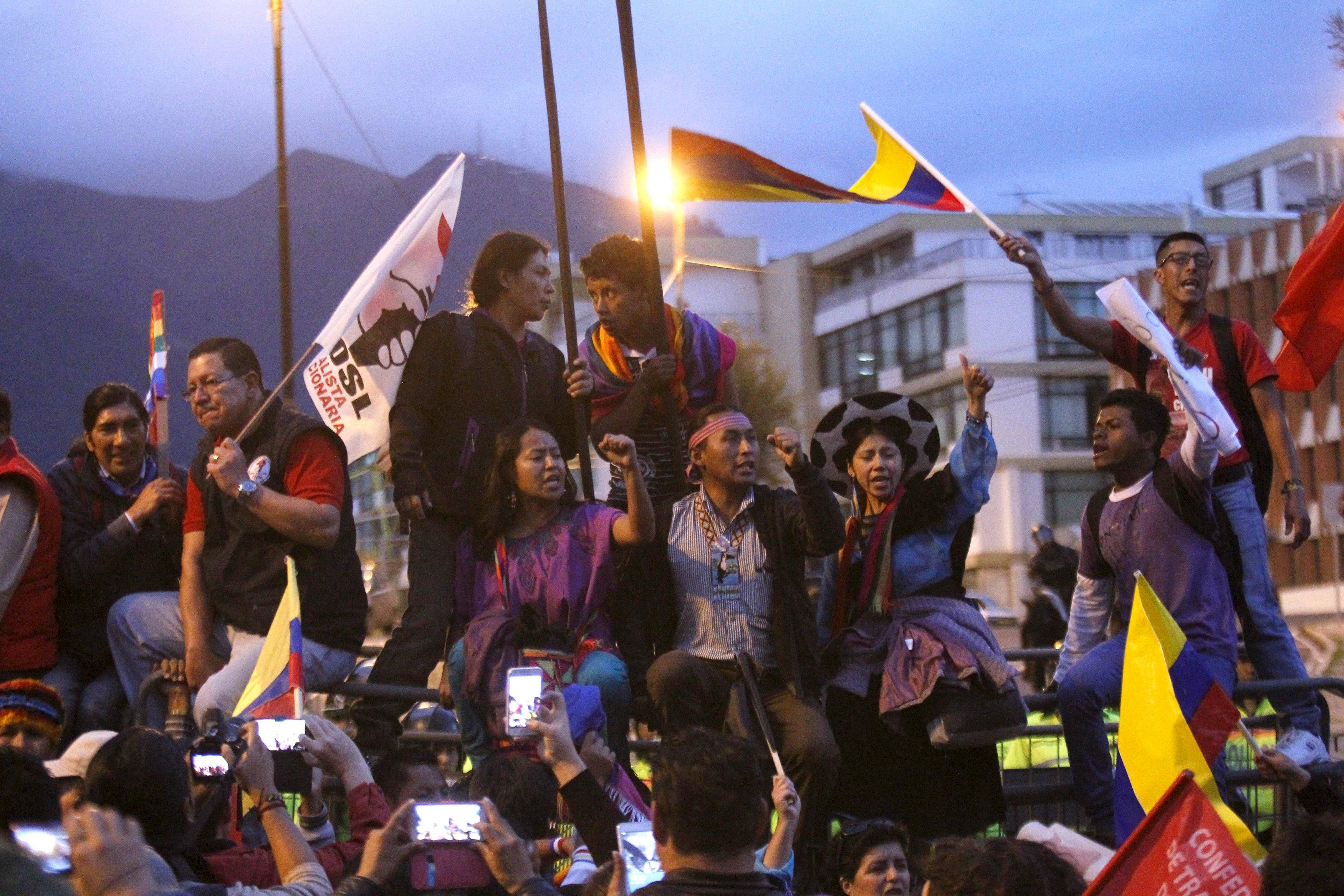 Resultado de imagen para manifestaciones indigenas en ecuador