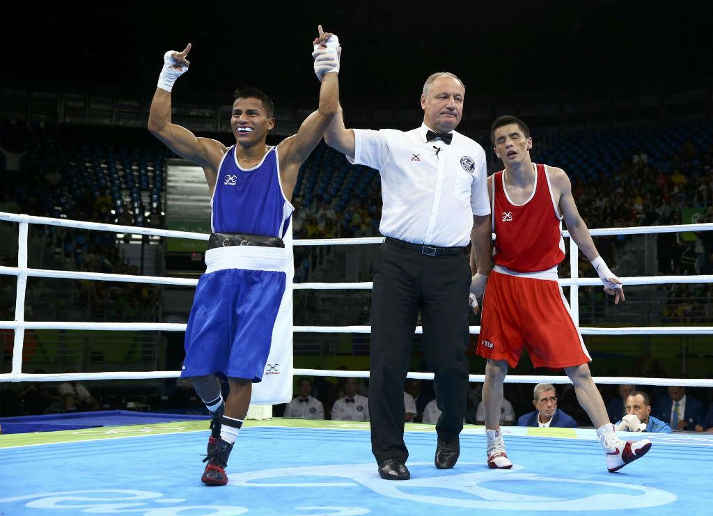 Carlos Quipo clasifica a la siguiente ronda en 49 kg de boxeo