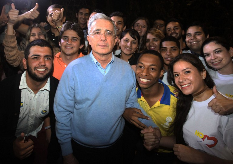 Llaman a diálogo nacional en Colombia vs. pacto cerrado y elitista
