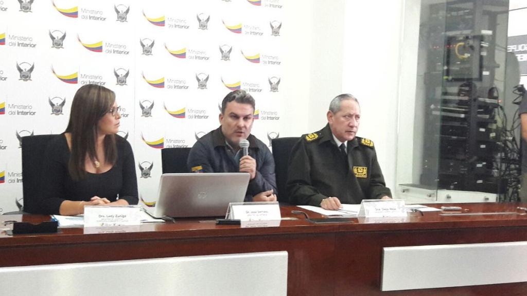 Circular roja para implicados en caso petroecuador vistazo for Ministerio del interior ecuador