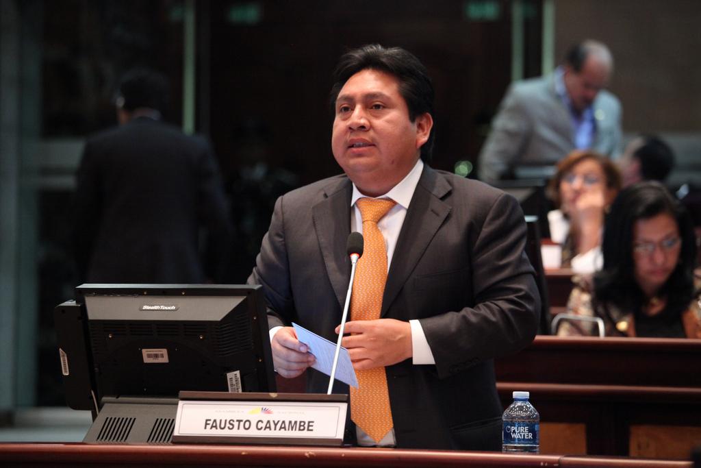 Se velarán en Asamblea los restos del legislador Fausto Cayambe