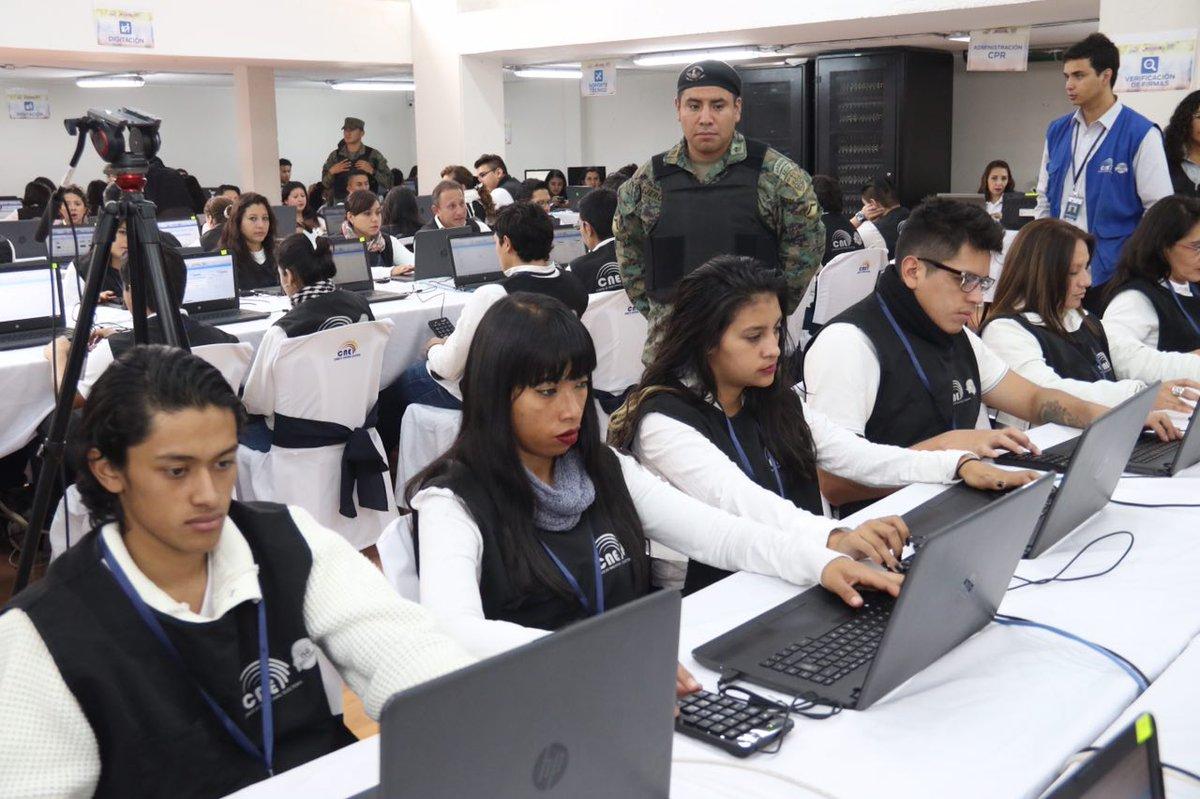 Ecuador realiza simulacro electoral previo a la elección presidencial