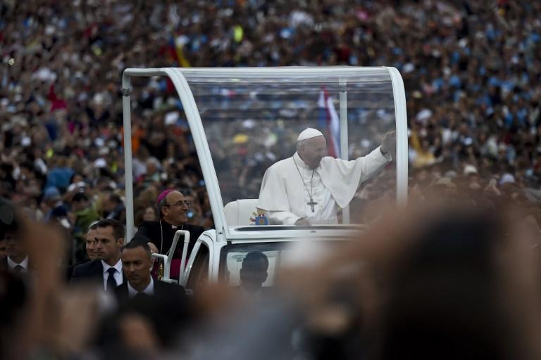 Cientos de católicos nicaragüenses reciben imagen de la Virgen de Fátima