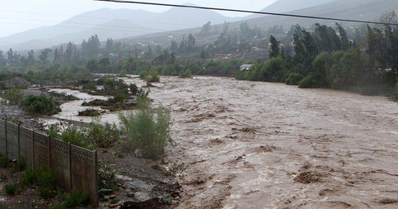 Reportan 120 damnificados tras lluvias en Chile