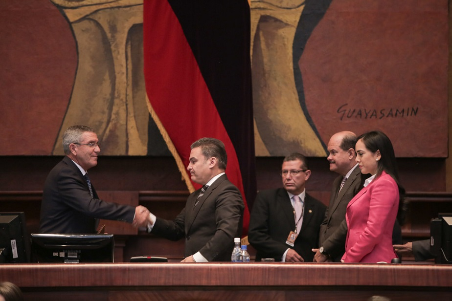 La Asamblea Nacional posesiona a cinco parlamentarios andinos