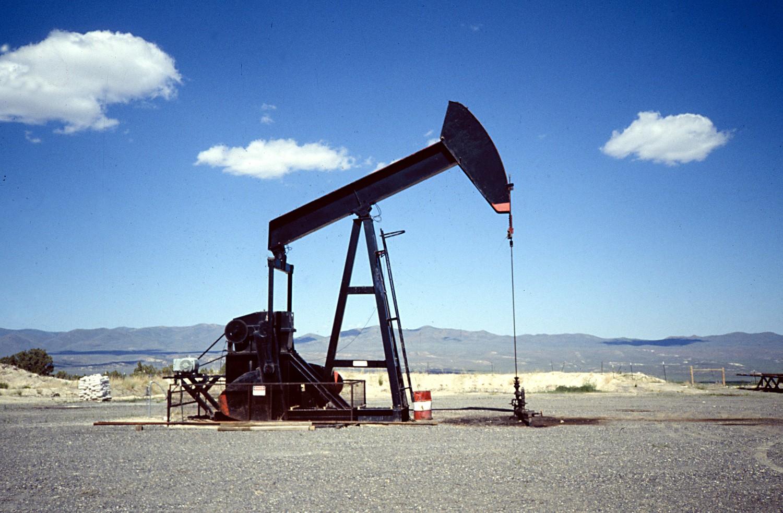 Barril OPEP baja un 1,4% tras extenderse recorte de bombeo