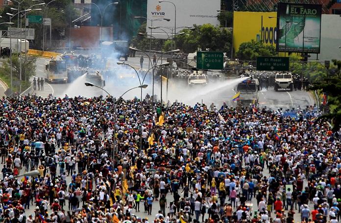 Anuncian Referendo Para Nueva Constitución en Venezuela