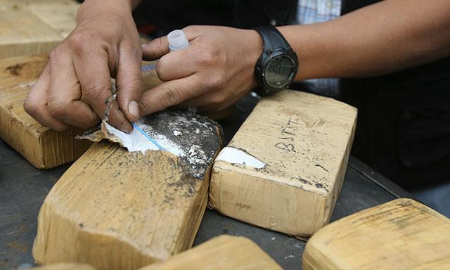 5 peruanos y 2 ecuatorianos, detenidos por tráfico de cocaína