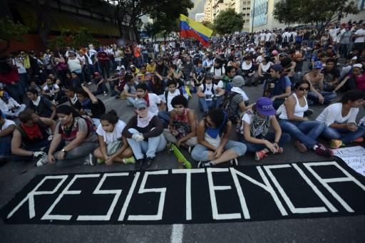 """Dos muertos más en protestas y van 71 — Venezuela"""""""