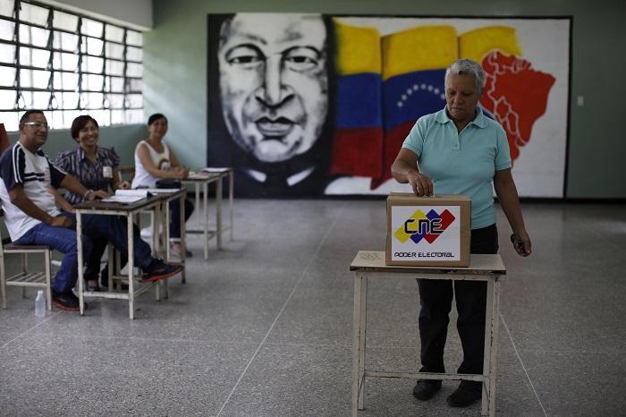 El bochornoso momento de Nicolás Maduro tras votar: