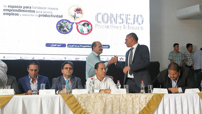 Glas suspendió agenda en Manta y regresó a Quito