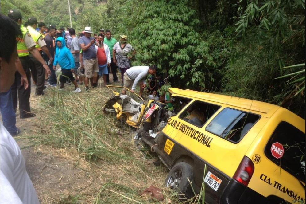 Fatal accidente de tránsito deja dos muertos y varios heridos
