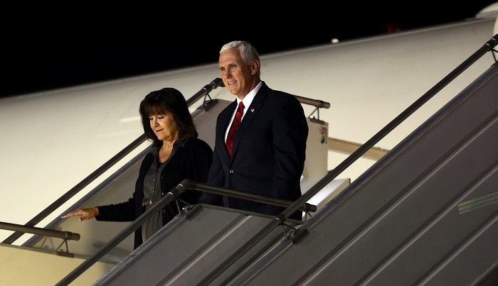 Vicepresidente de EU, Mike Pence llega a Chile