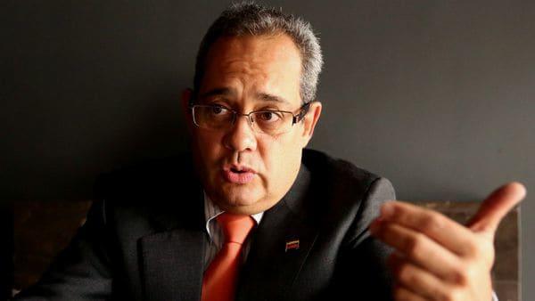 Maduro acusa a ex fiscal Ortega de encabezar red de corrupción