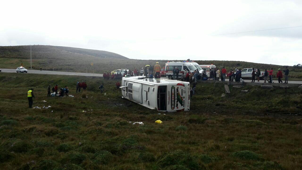 Lista de venezolanos heridos en volcamiento de autobús en Ecuador