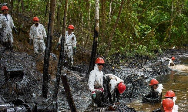 Supervisan dos nuevos derrames de petróleo en Loreto