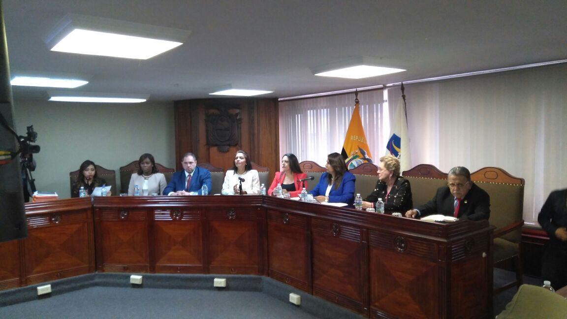 Mediante sorteo, la jueza Tatiana Ordeñana quedó designada como la magistrada a cargo de sustanciar las preguntas sobre la Consulta. Foto: Corte Constitucional