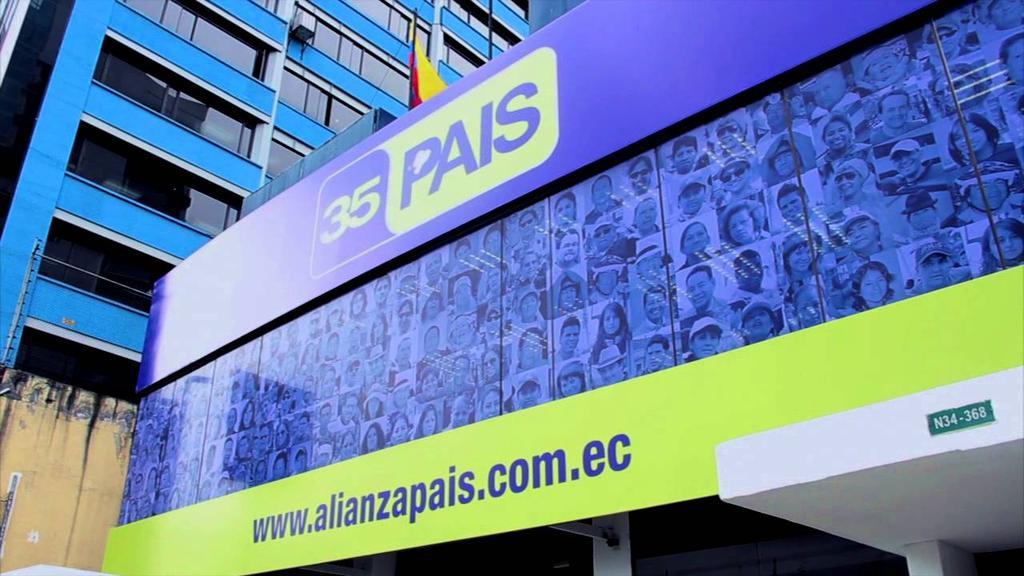 Alianza PAIS pide que Correa asista a convención en diciembre