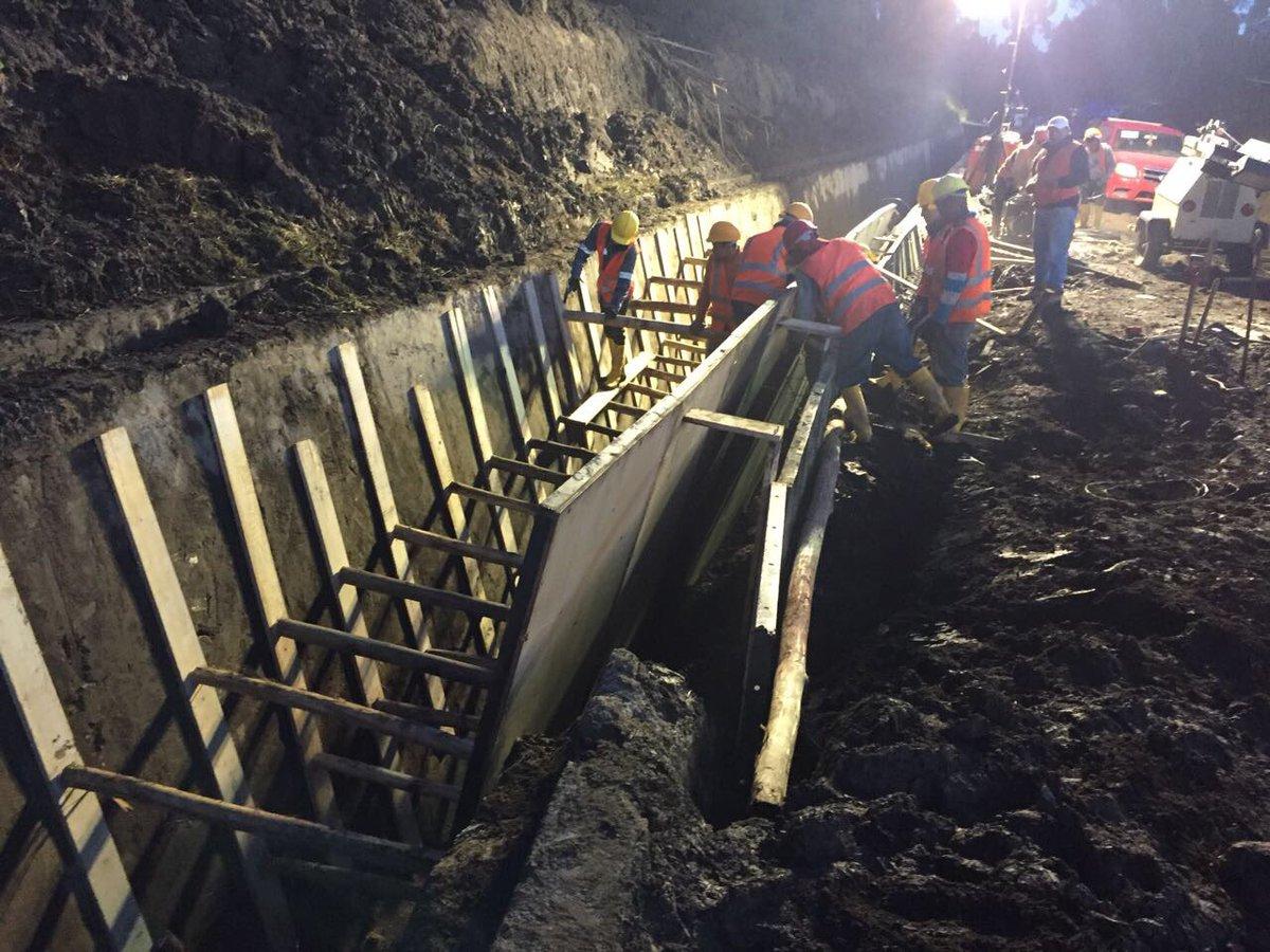 Quito personas sin agua potable por deslizamiento for Agua potable quito