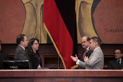 """La designación de Patricio Rivera se realizó en razón de que """"cumple todos los requisitos legales y reglamentarios"""" para ocupar el cargo de Superintendente. Foto: Asamblea"""