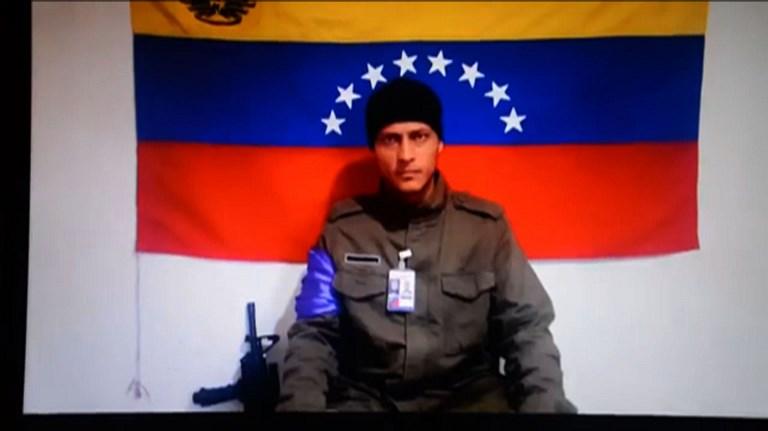Familiares exigen ver cuerpo de ex policía rebelde Óscar Pérez