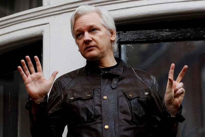 Assange es un problema que causa molestia