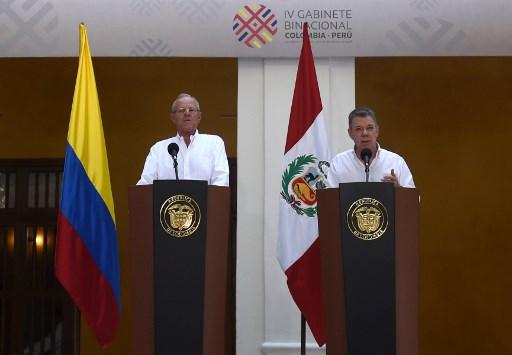 Santos y Kuczynski piden a Venezuela canal humanitario