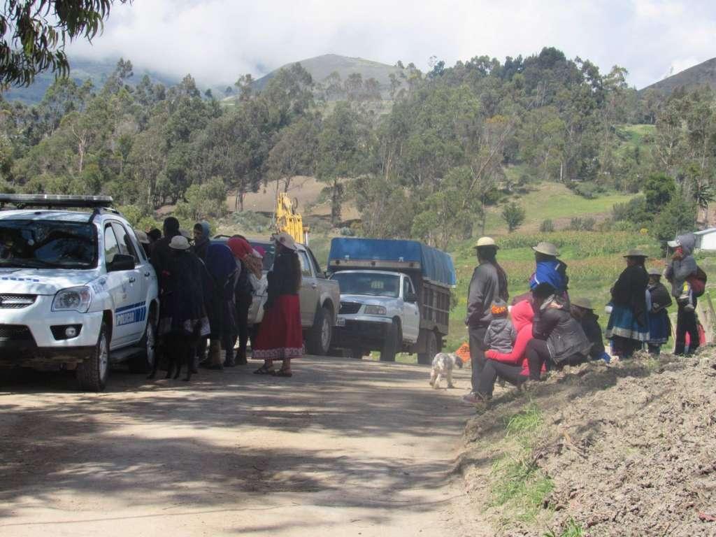 Polizones mueren al caer de avión en Ecuador