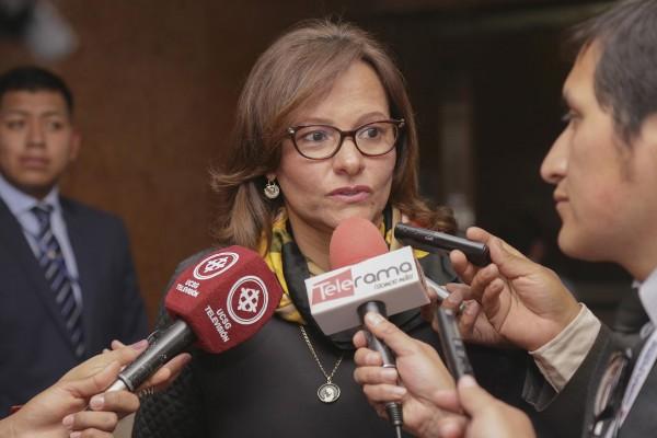 Parlamento de Ecuador elige a su nueva presidenta