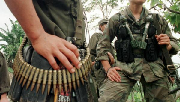 Arrestan a exsenador por nexos con paramilitares en Colombia
