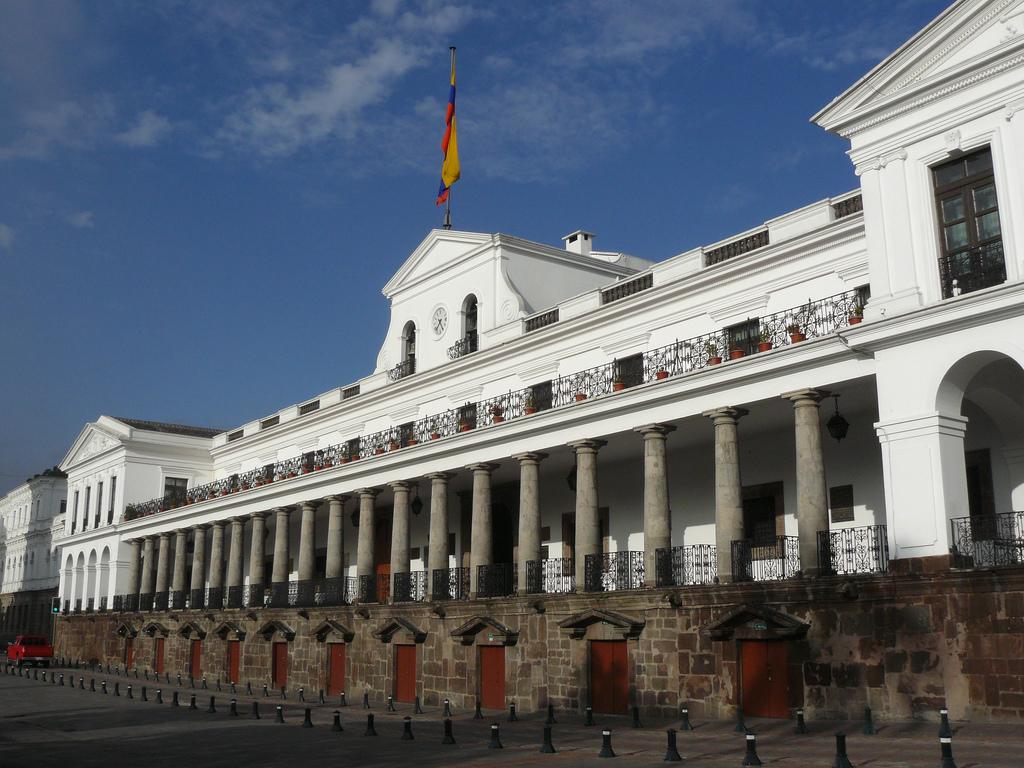 Ministros presentarán hoy sus renuncias al presidente Lenín Moreno
