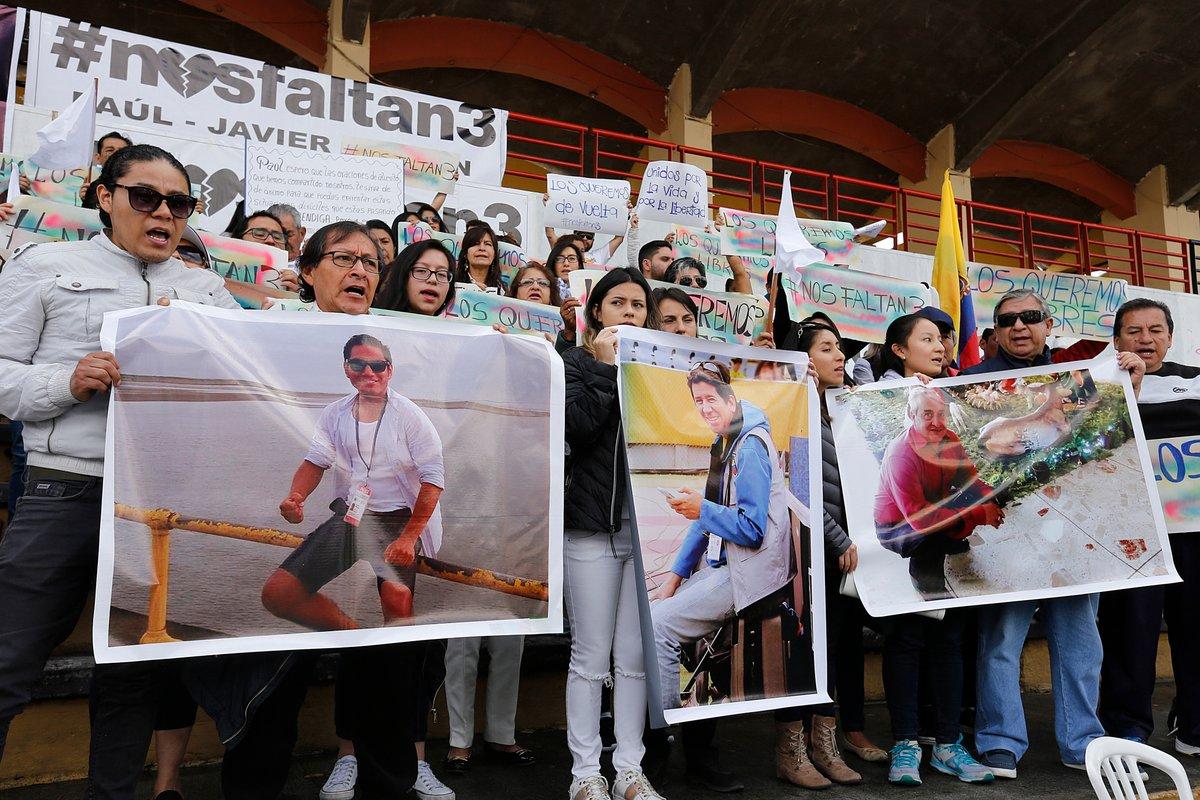 Santos reitera acompañamiento a familiares de periodistas ecuatorianos asesinados