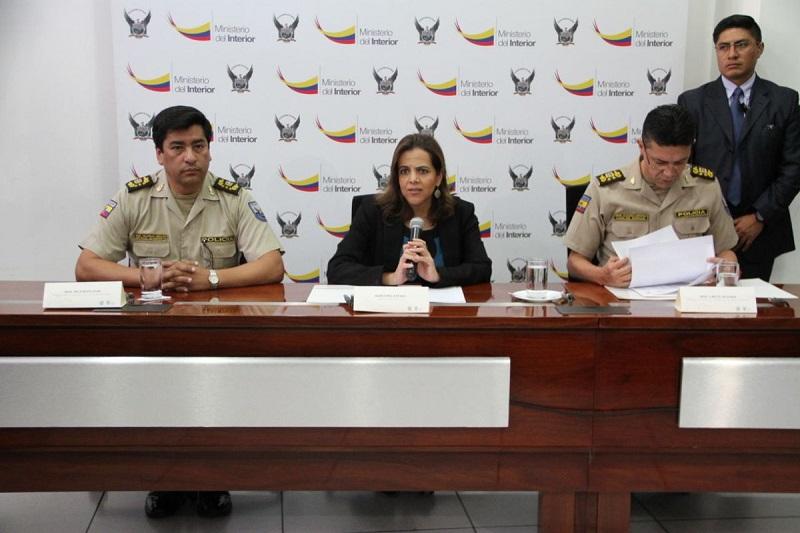 Ecuador decomisa una tonelada de droga en base militar