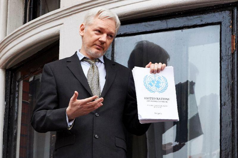 Opositora pide retirar ciudadanía a Julian Assange — Ecuador