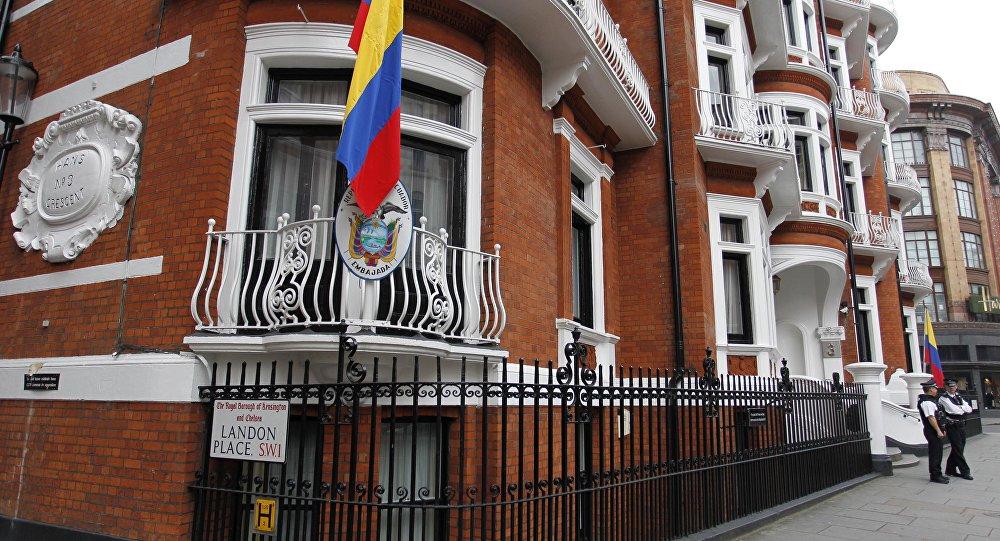 Assange desconfía de la propuesta hecha por Lenin Moreno