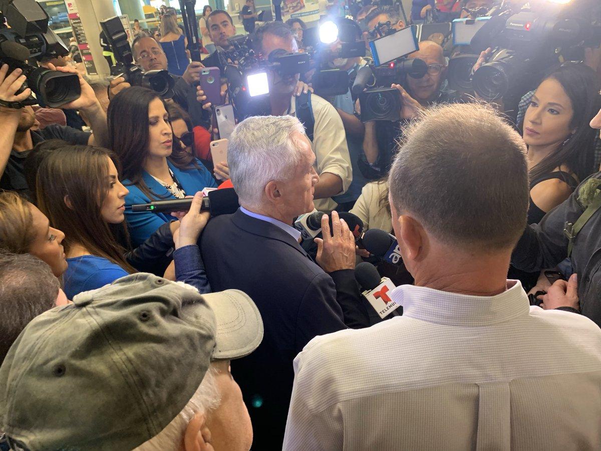 """A su llegada a Miami, el periodista de Univisión Jorge Ramos expresó: """"Estuvimos detenidos en el palacio de Miraflores (...) Imagínate lo que no le harán a los periodistas venezolanos"""". Foto: Twitter."""