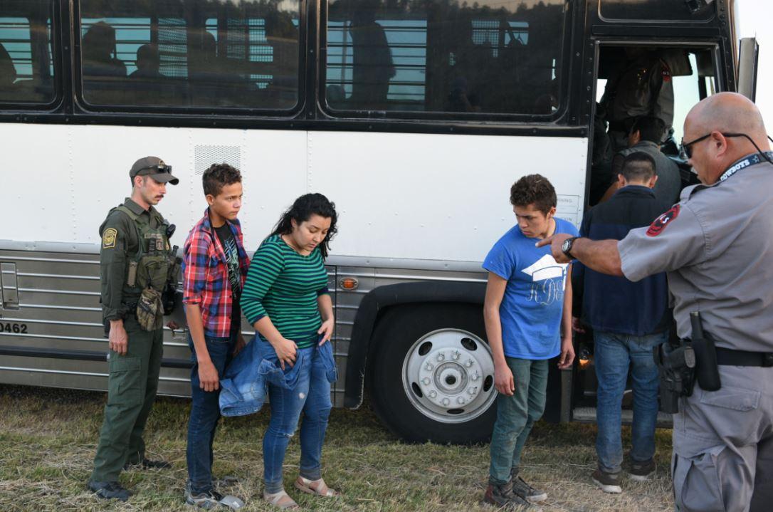 """En junio, Trump dijo en un tuit que iba a deportar a """"millones de extranjeros ilegales"""". Foto: Reuters."""