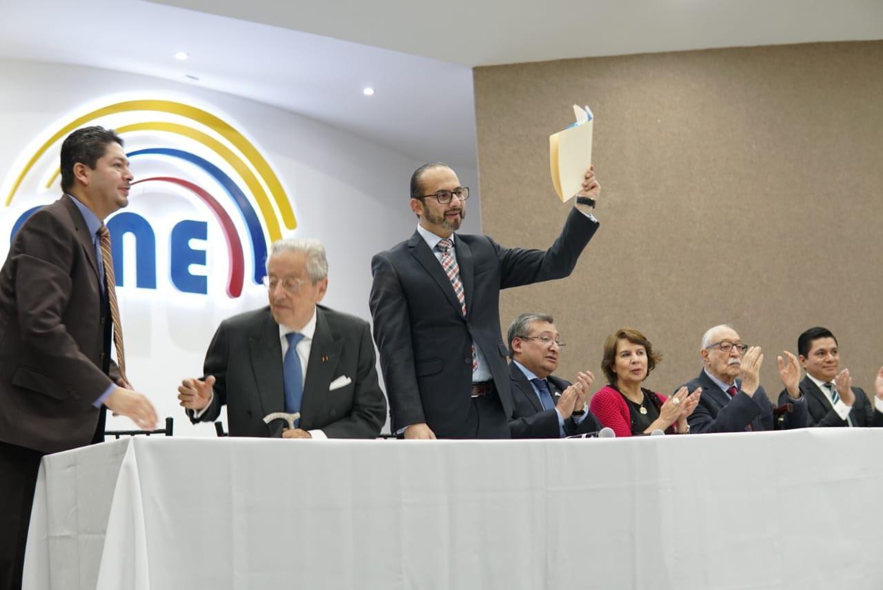 """""""Las dos cámaras se convierten en un balance de pesos y contrapesos"""", dijo Dávila."""