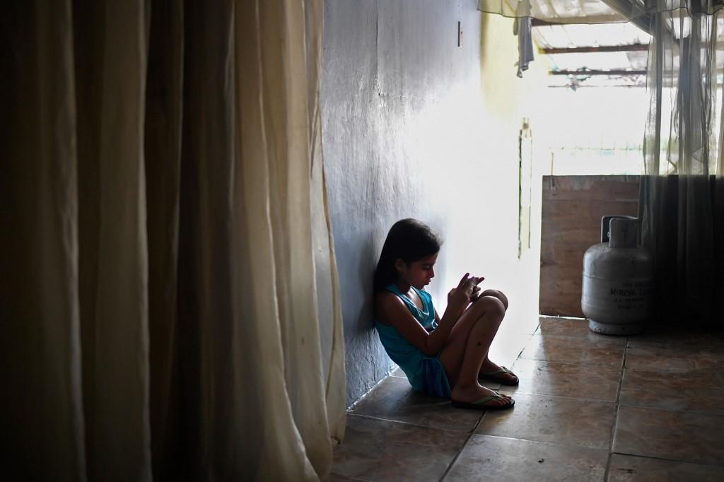 Uno de cada cuatro migrantes se despide de algún hijo, según cálculos de la ONG Cecodap hasta 2018. Foto: AFP