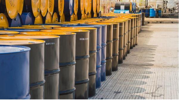 Precio cae tras promesa saudí de restablecer producción — Petróleo