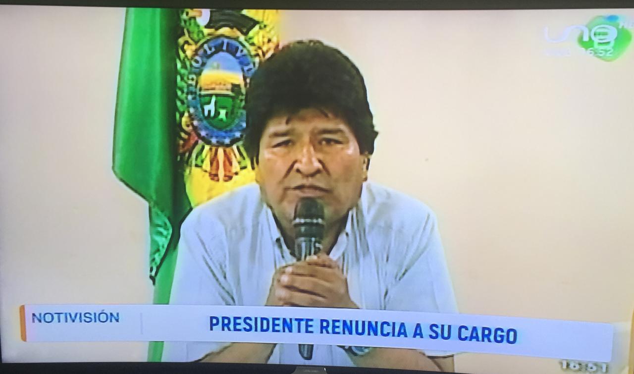 En las redes sociales se especula que Morales viajaría al exterior, muchos dicen que a Argentina.