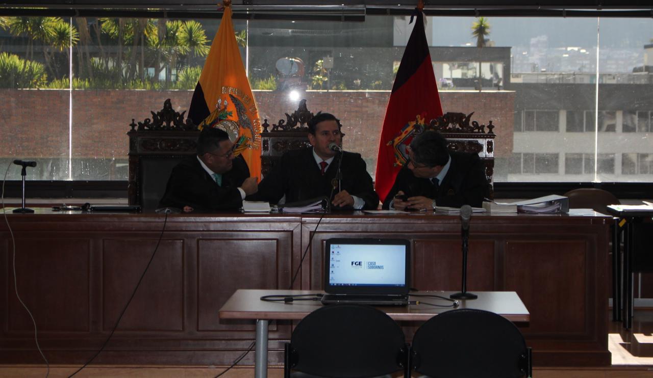 Iván León, Iván Saquicela y Marco Rodríguez conforman el tribunal del caso Sobornos.