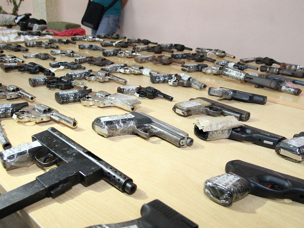 Cerca de armas fueron incautadas en 2015 vistazo for Ministerio del interior en guayaquil