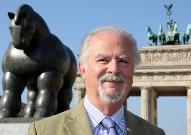 Botero abre su primera muestra con escultura monumental en for Pintor y muralista colombiano