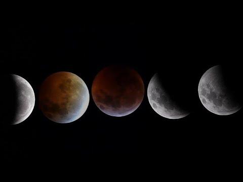 Cautivante eclipse total de la Luna
