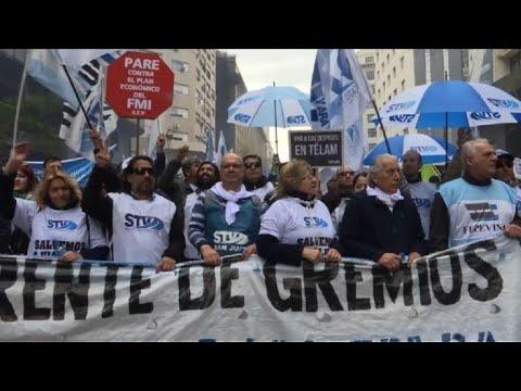 Despedidos en la crisis, sobrevivir sin empleo en Argentina