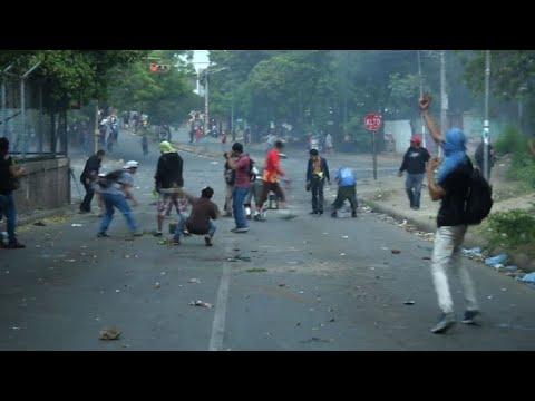 Ola de protestas deja más de 20 muertos y sume a Nicaragua en el