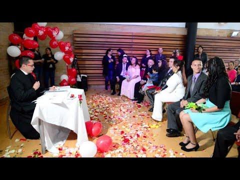 Excombatientes FARC celebran boda grupal en Colombia